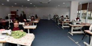 Mersin'de engelli ailelerine dikiş kursu veriliyor