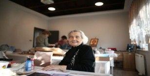 (ÖZEL) 90 yaşında kursa yazıldı, öğretmen oldu