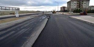 Manisa Şehir Hastanesinin çevre yolları asfaltlanıyor