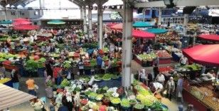 Halk pazarında fiyatlar cep yakıyor