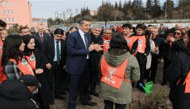 MEB ve TEMA 'Toprak Dede' anısına fidan dikti