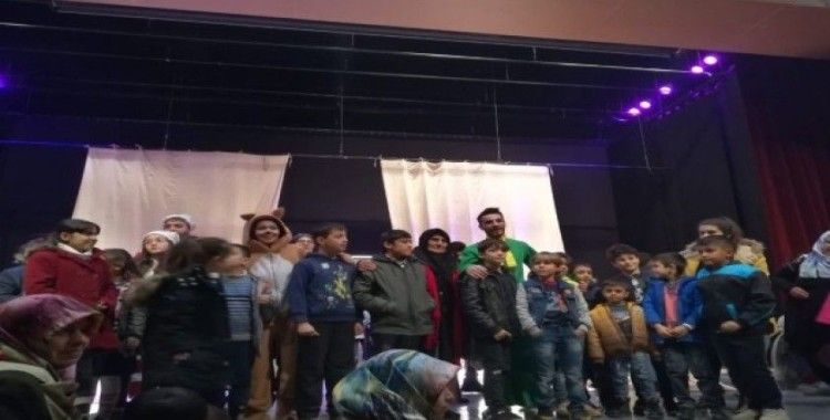 Öğrencilere tiyatro etkinliği