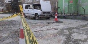 Akaryakıt istasyonunda gaz alan araç patladı, sürücü yaralandı