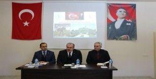 Vali Dr. Ömer Toraman Dumlupınar ilçesinde muhtarlarla toplantı yaptı
