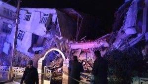 Elazığ'da 6.8 büyüklüğünde deprem: 6.8'lik depremin ilk görüntüleri