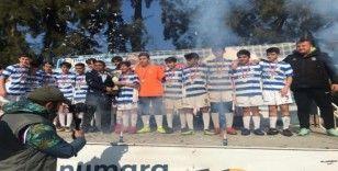 Yunusemre Belediyespor U-14 takımı şampiyon oldu