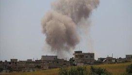 Esad rejimi İdlib'in güneyini vurdu: 2'si çocuk 3 ölü