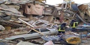 Denizli'den giden itfaiye ekipleri afet bölgesinde aralıksız çalışıyor