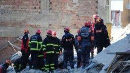 Ekipler enkaz altından bir kişinin cansız bedenini çıkardı