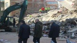 Bakan Soylu ve Koca ile Binali Yıldırım, deprem bölgesinde incelemelerde bulundu