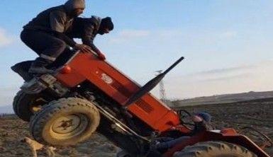 Şaha kalkan traktör 2 kişiyi üzerinden fırlattı