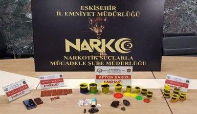 Oyun hamuruna gizlenmiş uyuşturucu madde
