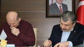 Sağlık Bakanı Koca: 'Şu anda hastanelerde tedavi gören 7'si yoğun bakım 64 yaralı mevcut'