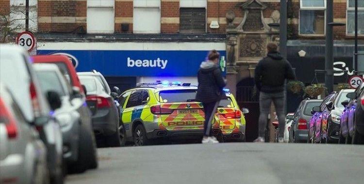 Londra'daki bıçaklı terör zanlısının kısa süre önce hapisten çıktığı iddiası