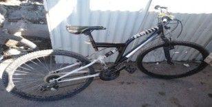 Hatay'da 4 kişi çalıntı bisikletlerle yakalandı