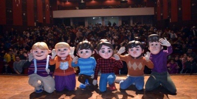 'Rafadan Tayfa ile Türkiye'dir Burası Müzikali' yoğun katılımla son buldu