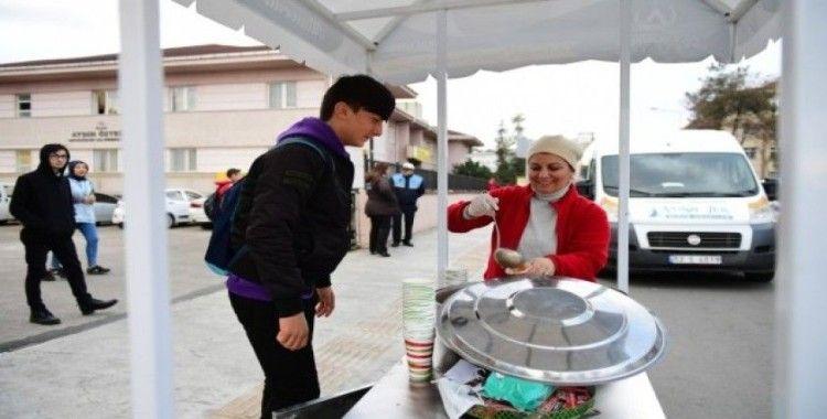 Altınordu Belediyesinden öğrencilere çorba ikramı