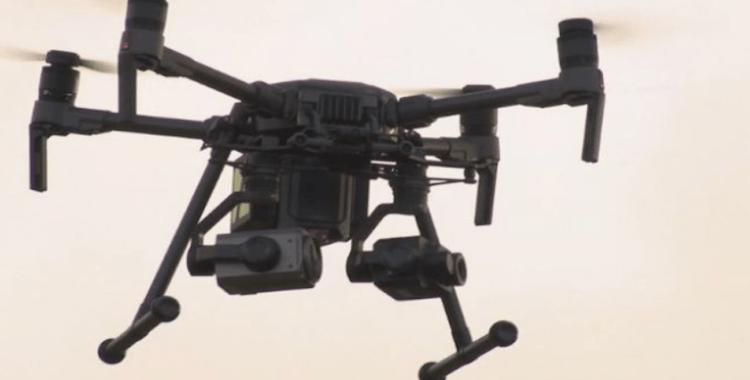 Çin'de yaşlılar virüse karşı drone ile uyarılıyor