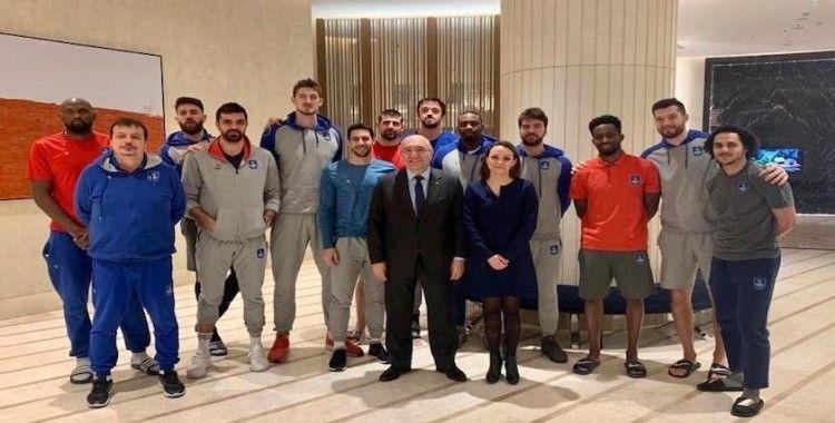 Moskova Büyükelçisi'nden Anadolu Efes'e moral ziyareti