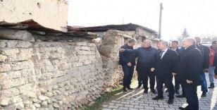 Bakan Yardımcısı Suver, Malatya'da deprem bölgesinde inceleme yaptı