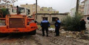 Osmaniye'de metruk binalar yıkıldı