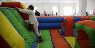 Manisa'da depremzede çocuklara eğlence çadırı