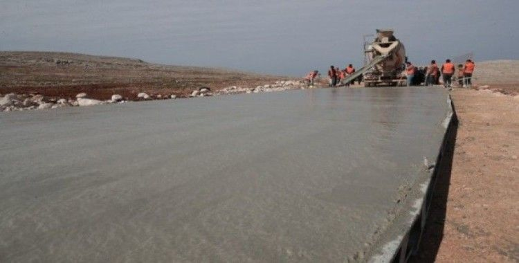 Büyükşehirde beton yol mesaisi başladı