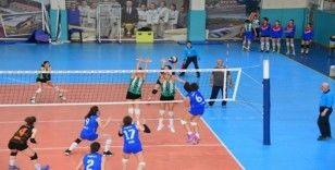 Salihli'nin sultanları Nova Gençlik'i 3-1'le geçti