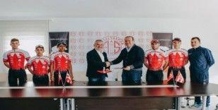Fiberli, bisiklet takımı sponsorluğunu yeniledi