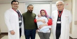 Yemek borusu olmayan bebeğe özel cerrahi ile ikinci yaşam
