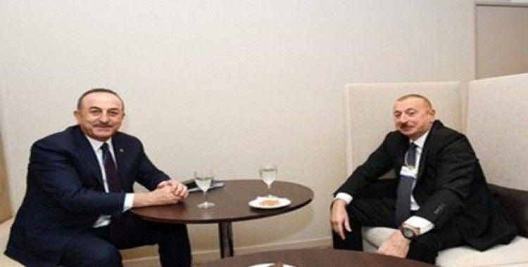 Bakan Çavuşoğlu'na Azerbaycan'dan 'Dostluk' nişanı