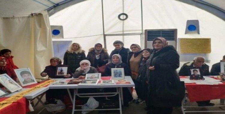 Önalan'ın ilk icraatı Diyarbakır annelerini ziyaret etmek oldu