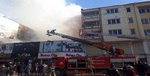 Van'da bina yangını