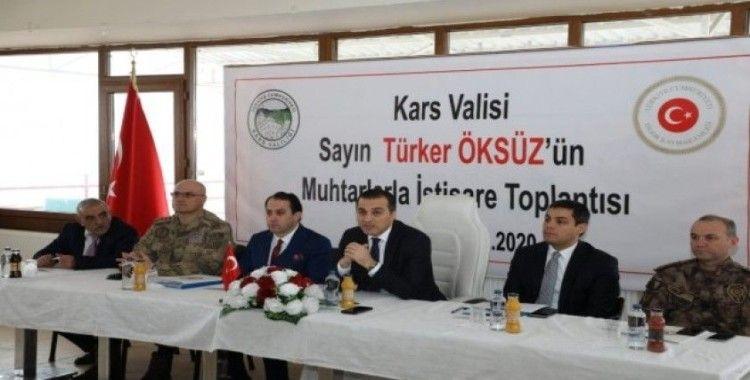 Kars Valisi Türker Öksüz Digor'da muhtarlarla bir araya geldi