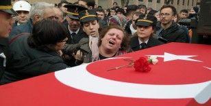 Şehit annesinden son sözler: 'Yalvarıyorum size, almayın yavrumu'