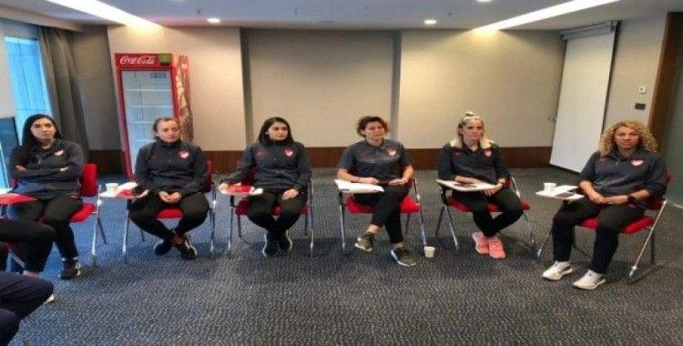 Kadın FIFA Hakem Kampı tamamlandı