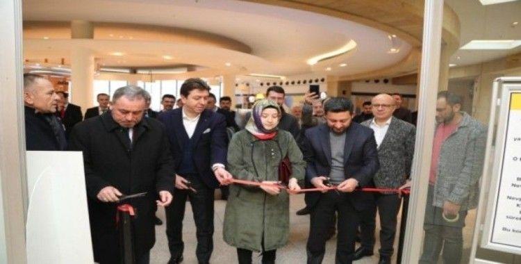 Türkiye'nin tek 'İnsansı Taşlar Sergisi' Nevşehir'de açıldı