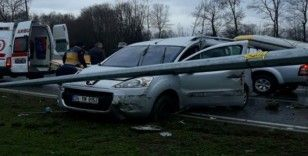Samsun'da kapalı kasa kamyonetler çarpıştı: 4 yaralı