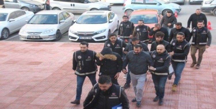 Bodrum'da 6 göçmen kaçakçılığı şüphelisi adliyeye sevk edildi