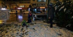 Beklenen kar Bursa'ya yağdı