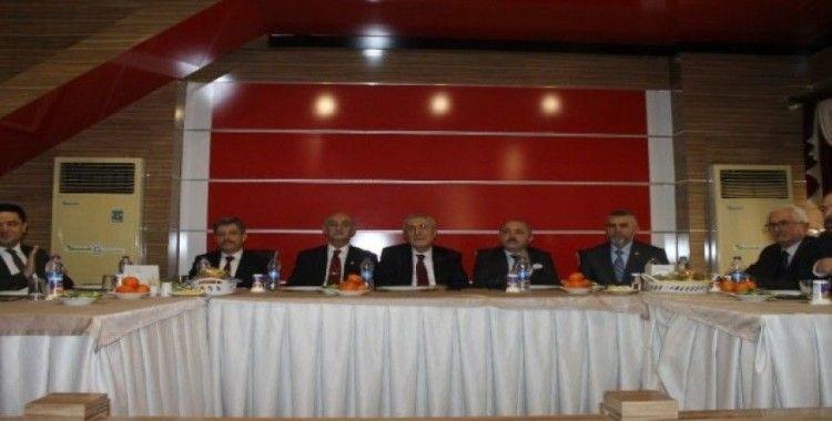 """MHP Genel Başkan Yardımcısı Ayhan: """"Türkiye'nin ayağındaki prangalardan kurtulmamız lazım"""""""
