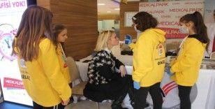 Medical Park İzmir'de sigarayı bırakma etkinliği