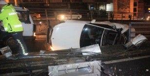 Beyoğlu Unkapanı Köprüsü girişinde araç takla attı: 3 yaralı