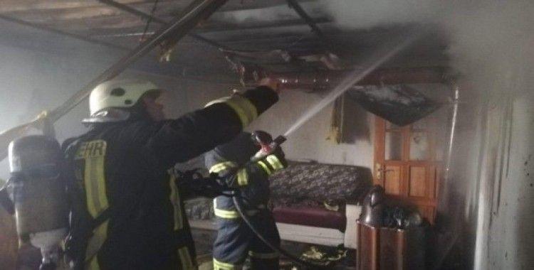 Toprak evdeki yangın kısa sürede söndürüldü