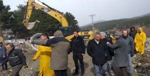 Büyükşehir, selin vurduğu Pozantı'da çalışmalara başladı