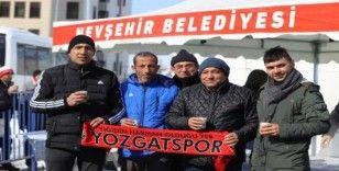 Nevşehir Belediyesinden taraftarlara süt ve simit ikramı