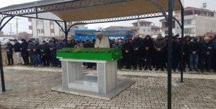 Bıçaklanarak öldürülen yaşlı adam toprağa verildi