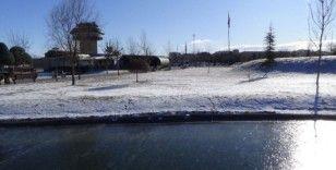 Elazığ'da soğuk hava etkisini gösteriyor