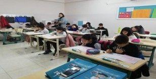 (Düzeltme) Diyarbakır Radikal Okulları bursluluk sınavına büyük ilgi