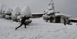 Ordu'da kar yağışı eğlenceye dönüştü